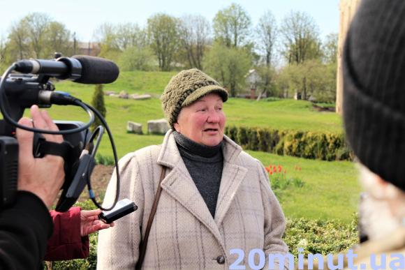 Працівниця музею Світлана розповідає про палац