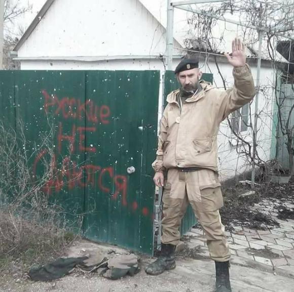 Доброволець 8-го батальйону Аратта Української добровольчої армії Володимир Галаган, друг Душман: Мені довіряли командувати багатьма операціями. І ніколи в мене навіть жодного пораненого не було 03