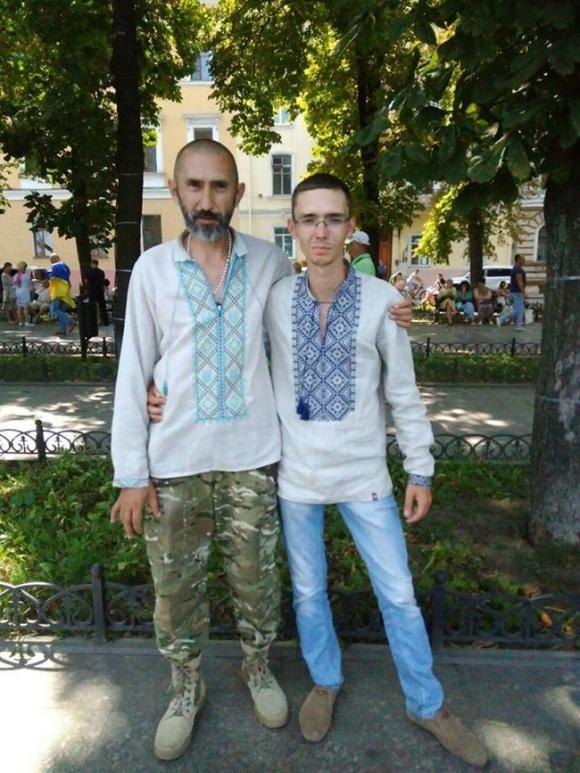 Доброволець 8-го батальйону Аратта Української добровольчої армії Володимир Галаган, друг Душман: Мені довіряли командувати багатьма операціями. І ніколи в мене навіть жодного пораненого не було 06