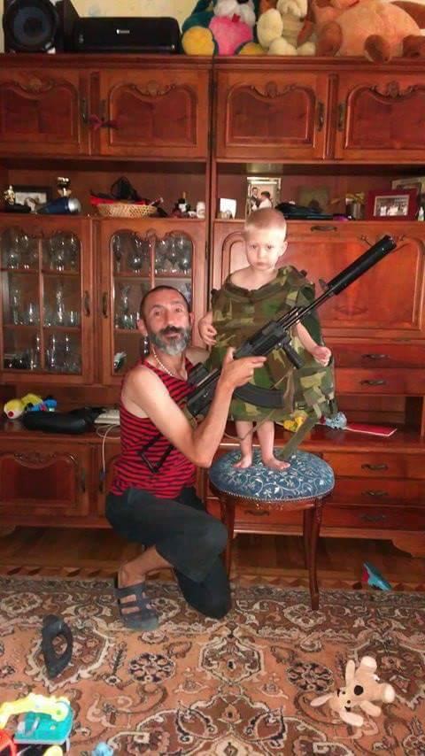 Доброволець 8-го батальйону Аратта Української добровольчої армії Володимир Галаган, друг Душман: Мені довіряли командувати багатьма операціями. І ніколи в мене навіть жодного пораненого не було 05
