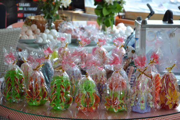 Свічки ручної роботи, які власноруч виготовляють батьки Микити