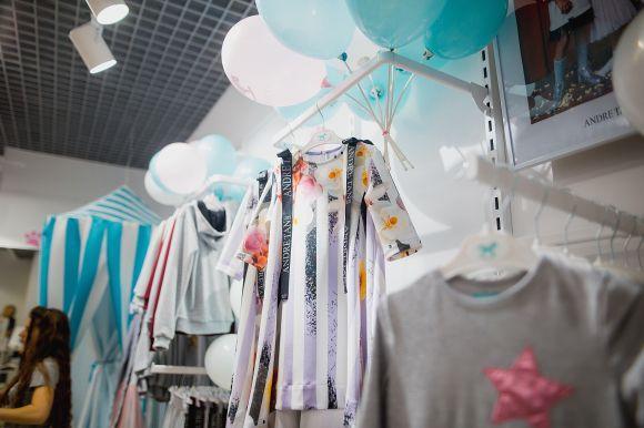Модні мами – стильні й дітки  в Хмельницькому відкрився брендовий ... 5ea5a5f59d170