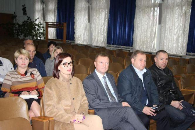 Депутати обласної ради перевірили стан запропонованого приміщення та обговорили всі нагальні питання.