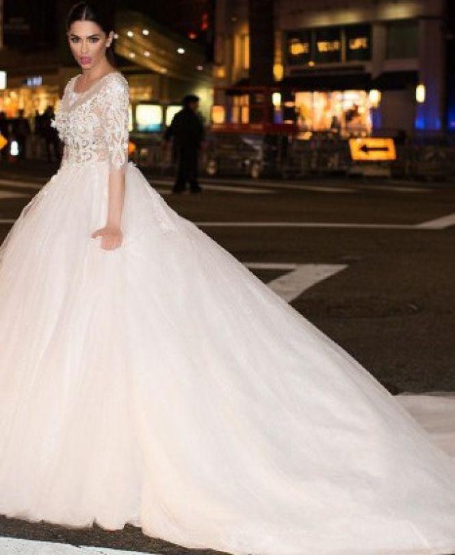 bb49313bdc4ff9 Парти з Вінниці у… Європу? І весільні сукні? Авантюрні історії ...