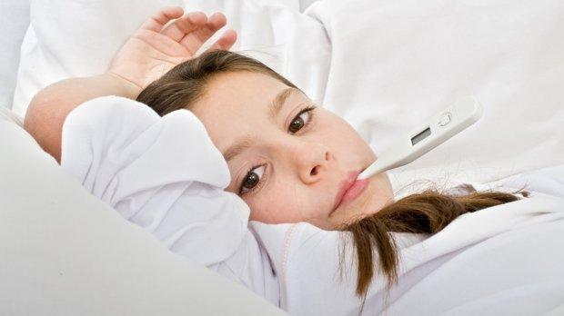 Якщо у дитини висока температура та висипання – повідомте про це диспетчеру
