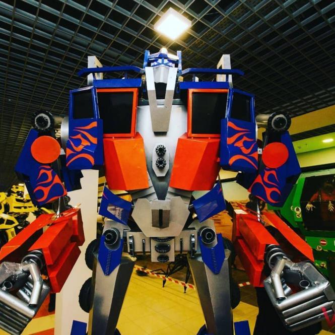 Виставка роботів та трансформерів з металу у Хмельницькому. Розіграш квитків