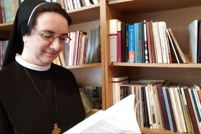 """""""Монастир - це не армія, не тюрма"""": ексклюзивне інтерв'ю із сестрою Софією, яка живе в Тернополі"""