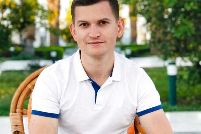 """""""Я не той адвокат, який буде """"вмонтовуватись"""" в систему"""": Ростислав Небельський про роботу і особисте"""