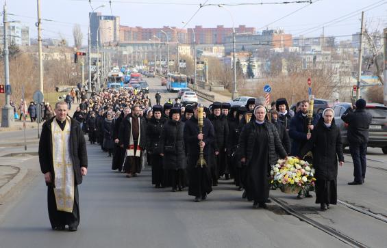 Колона монахів перекривала Соборну. Що це було?