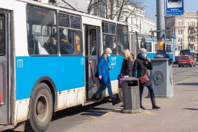 Транспорт Вінниці почне возити тільки працівників визначених підприємств (ОНОВЛЕНО)