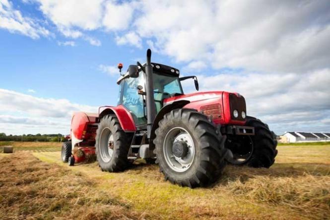 Тракторист-машинист, водитель и продавец – самые затребованные ...