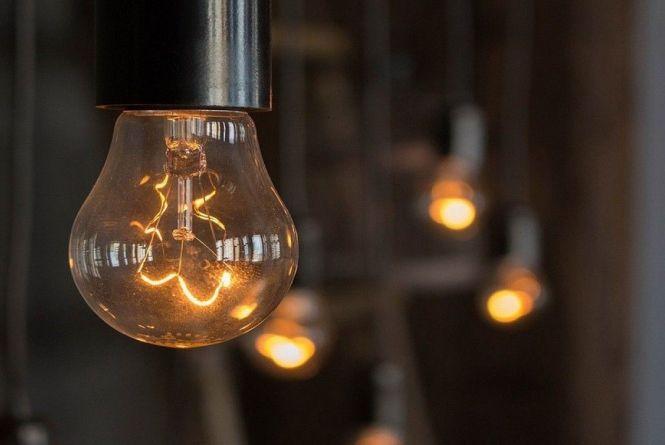 Де у Вінниці запланували відключення світла? Графік на червень