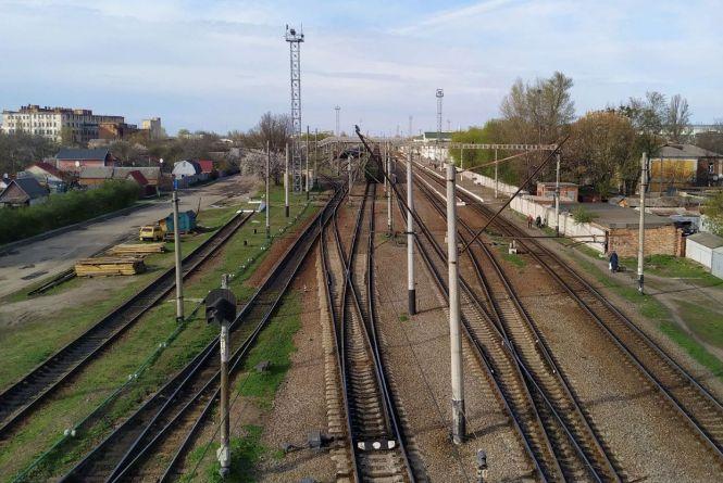 Трагедія на залізниці: 18-річного вінничанина вбило струмом