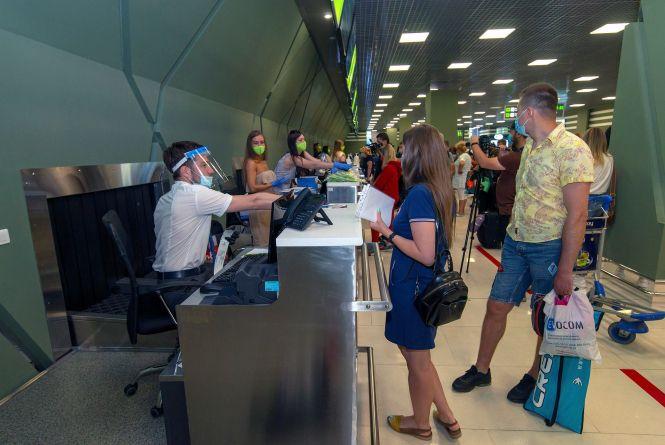 Привіт, «all inclusive»! Перші вінницькі туристи полетіли до Анталії, Єгипту та Албанії