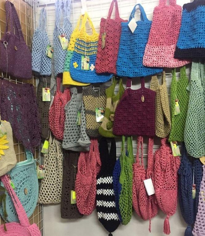 «Бачимо на дотик»: як незрячі вінничанки створили власний бізнес