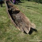 Човен так довго пролежав у воді, що сухе літнє повітря може викликати його руйнацію. То ж співробітники музею поспішають його неушкодженим відвезти до музею