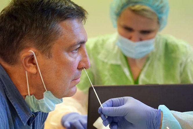 Втрата нюху при коронавірусі. Чи означає це перебіг хвороби у легшій формі?