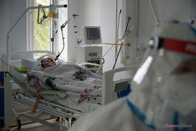 COVID на 12 листопада: в Україні +11 057 випадків. На Вінниччині чотири смерті