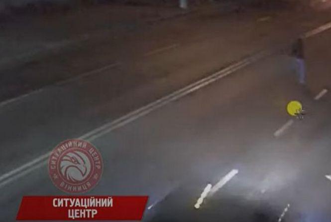 Виклали відео моменту смертельного ДТП на Станіславського. Водія шукають досі