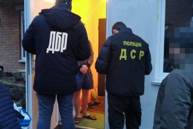 Хто забив «педофіла» в СІЗО. ДБР передає до суду справу проти шести тюремників і зека