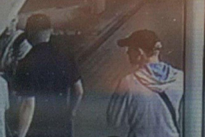 Стрижка «полубокс» у хлопця та білявка: у Вінниці шукають кримінальне тріо