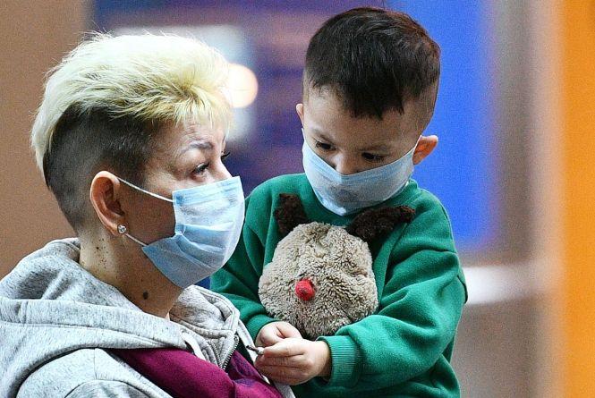 Вірус став більш заразним та активнішим: прогнози про COVID-19 в Україні