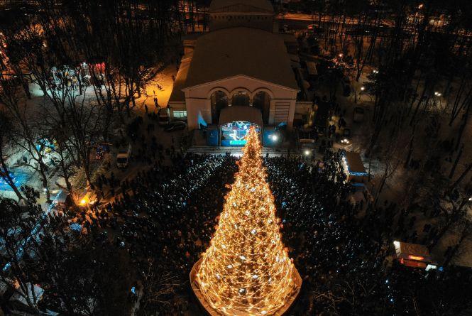 Ялинка за 600 тисяч гривень і гуляння онлайн: яким буде новорічне свято у Вінниці?