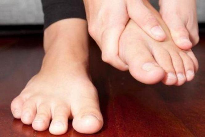 Болять ноги у дитини — коли батькам варто хвилюватися?