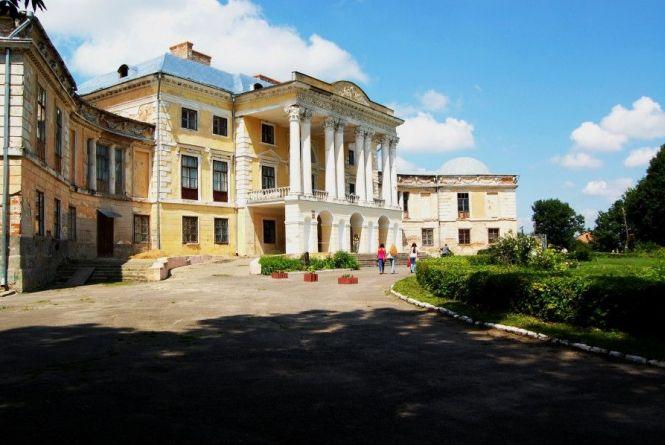 Колишня велич: ТОП-7 замків та палаців нашої області, які варто відвідати