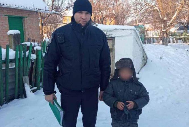 У Калинівці восьмирічний хлопчик в мороз йшов по вулиці та плакав. Що сталось?