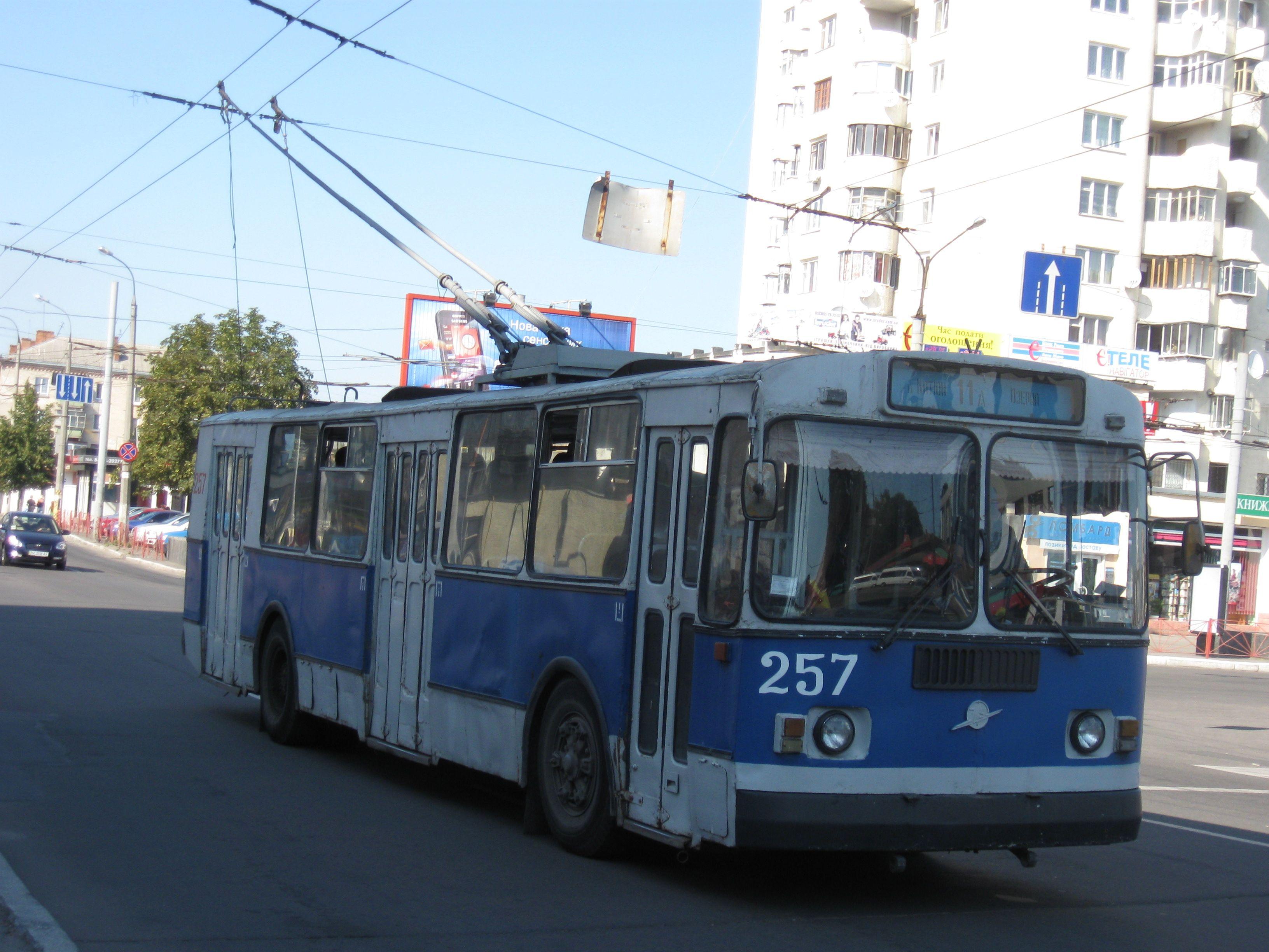 У Хмельницькому хочуть розібрати на запчастини 12 тролейбусів
