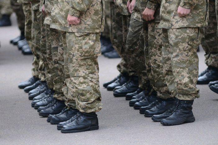 Влада планує скасувати обов'язковий призов чоловіків до армії