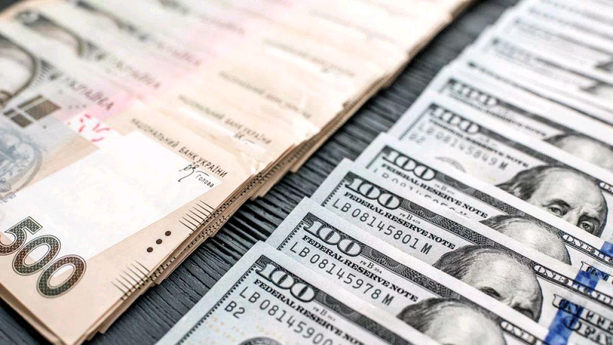Курс валют 4 грудня: гривня впевнено тримає позиції щодо долара