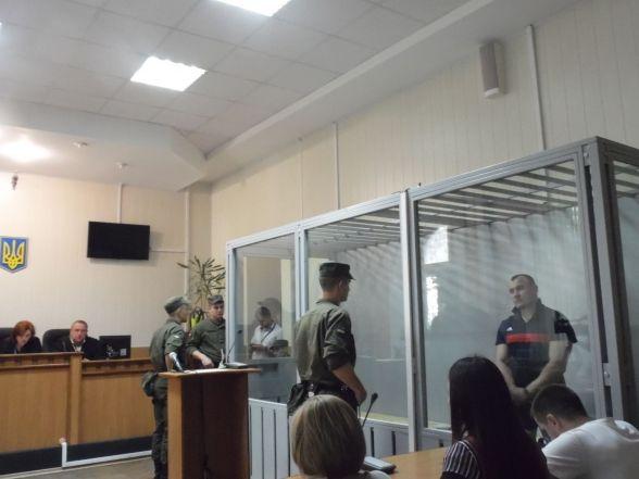 Вийшов із зали суду. Зятю мера Могилів-Подільського злочину не довели (ФОТО)